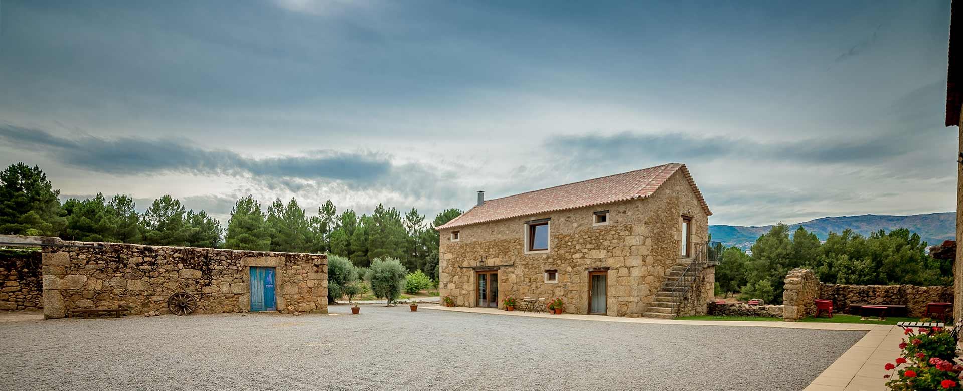 Quinta-de-Seves-Casa-Lado-Slider2