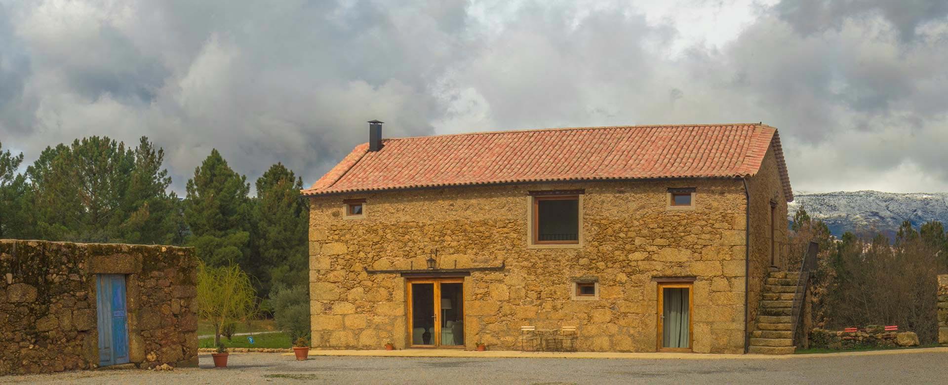 Quinta-de-Seves-Slider-Casa-Lado0a